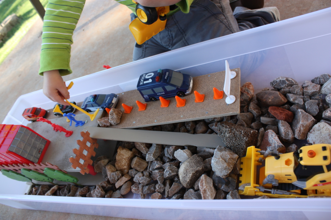 construction-site-play-box-with-rocks